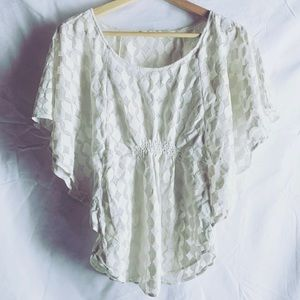 Tops - White flowy top shirt blouse stretches Medium